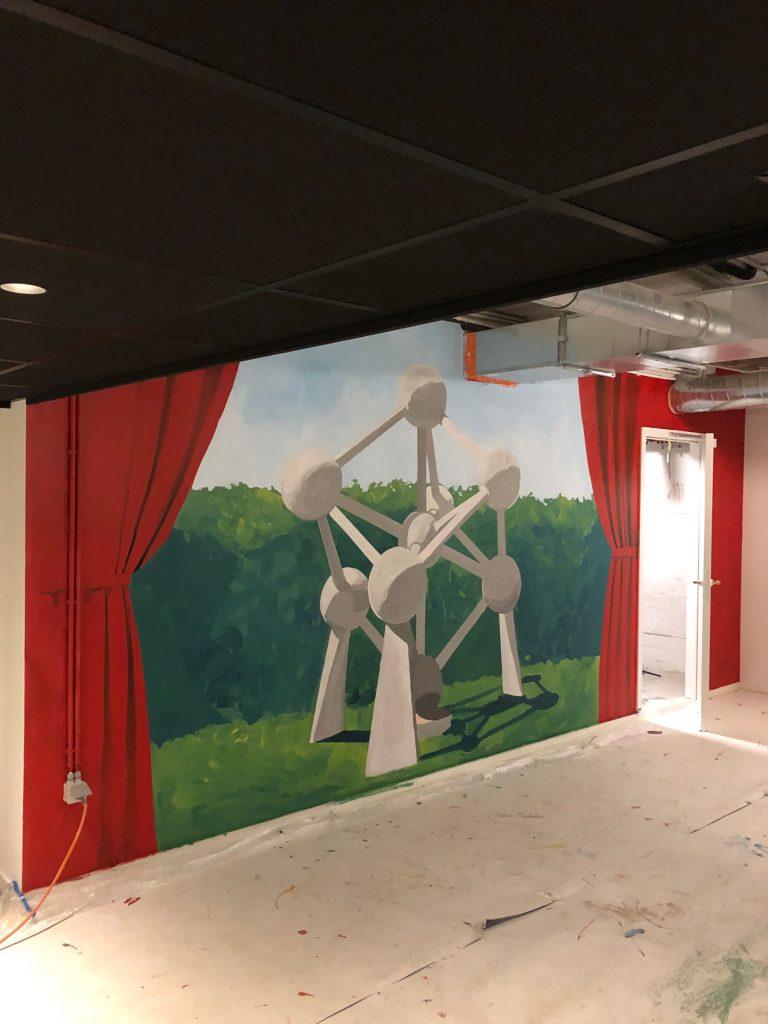 Xior graffiti student housing student kot muurschildering belgie atomium belgisch kunstenaar street art matthew dawn